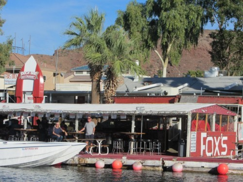 Fox's Floating Dock Bar - Plenty of dock space for boats